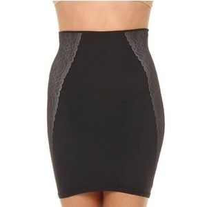 Assets By Spanx Luxe & Lean Half Slip Skirt Black